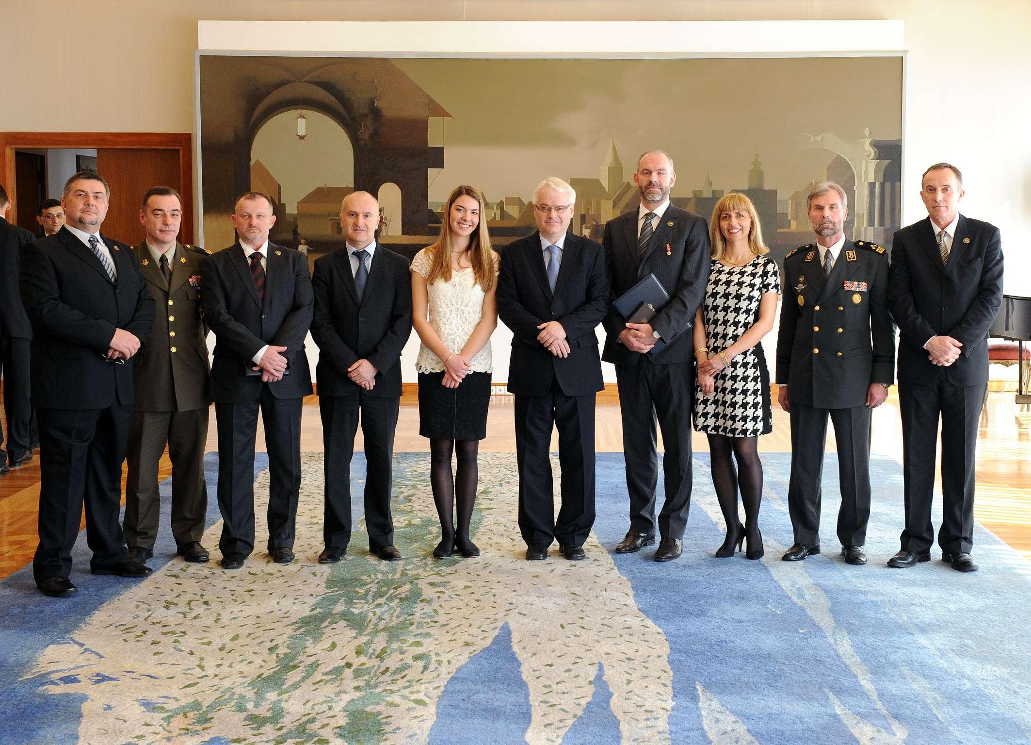 Predsjednik Josipović uručio odlikovanje prim.dr.sc. Igoru Rudežu