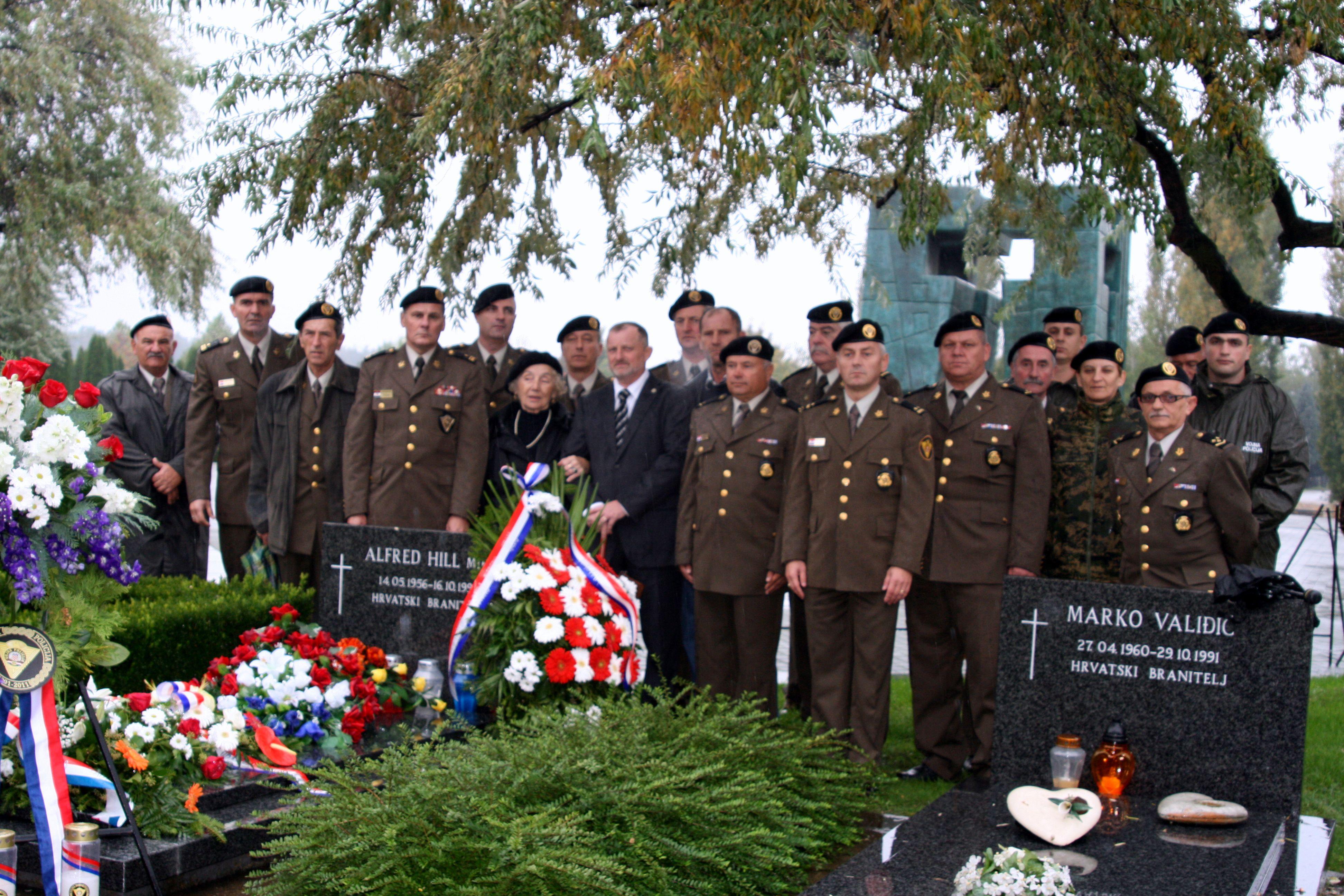 Odana počast bojniku Alfredu Hillu u Vukovaru i Zagrebu