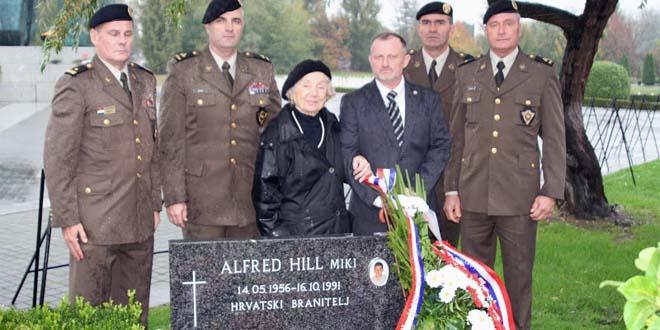 OBAVIJEST ZA ČLANOVE: Polaganje vijenaca povodom 23.obljetnice pogibije  Bojnika Alfreda Hilla